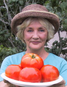 Me with Tomatoes 373 pix